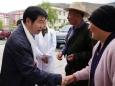 圣洁哈达献给市二医院专家,以表救命之恩