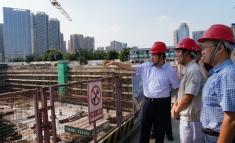 徐荣华院长带队到我院龙潭医院项目现场办公